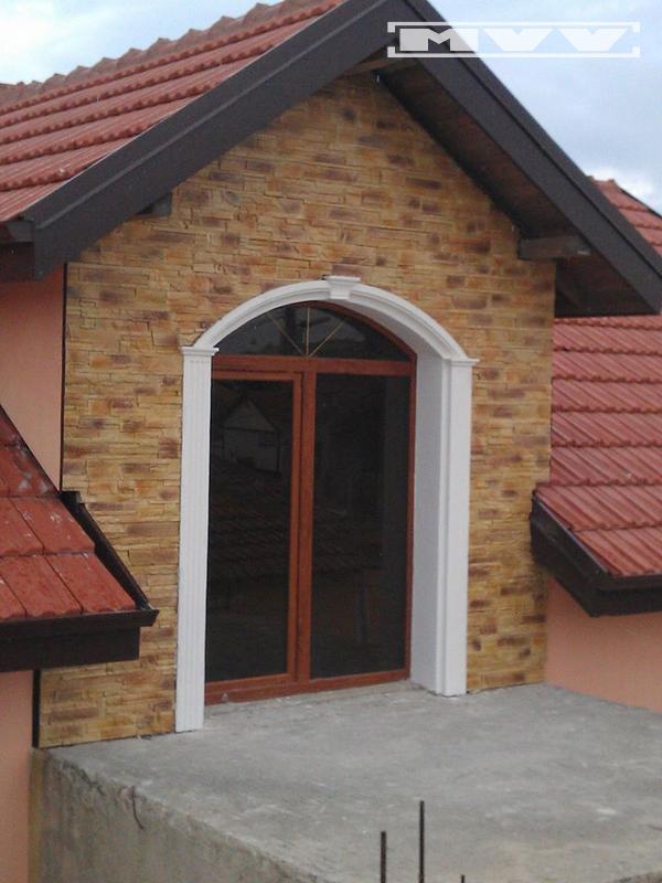 Врата с орнаменти от стиропор